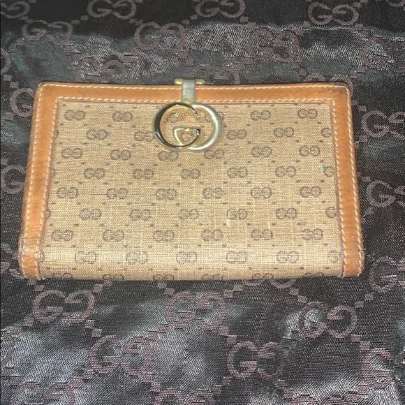 Gucci Handbags - Gucci vintage wallet